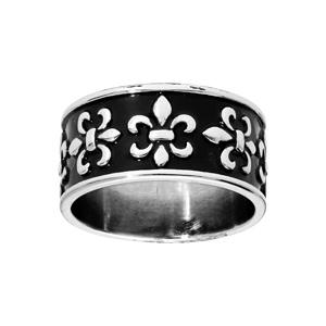 Bague en acier anneau large motifs fleurs de lys fond noir - Vue 1