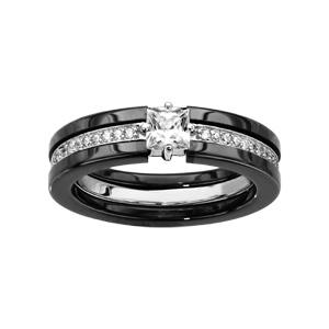 Bague en céramique noire 3 anneaux, 2 en céramique noire et 1 anneau central d\'oxydes blancs sertis avec 1 gros oxyde carré blanc serti - Vue 1