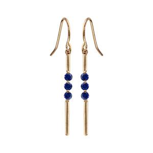 Boucles d\'oreilles pendantes en plaqué or baguettes lisses et oxydes bleu foncé et fermoir crochet - Vue 1
