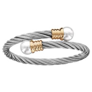 Bracelet en acier et PVD jaune ouvert câble tressé avec perle blanche de synthèse à chaque extrémité - Vue 1