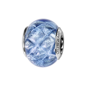 Charms Thabora en argent rhodié et verre de Murano véritable bleu argenté décoré de croix