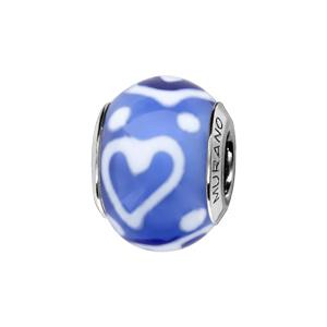 Charms Thabora en argent rhodié et verre de Murano véritable bleu royal décoré de coeurs et de points blancs