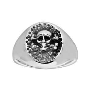 Chevalière en argent ovale brillante avec tête de mort patinee - Vue 1
