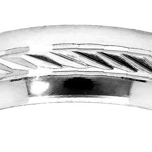 Alliance en argent rhodié 6mm avec bande ciselée en diagonale au milieu et bords brillants - Vue 2