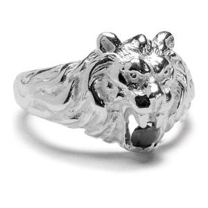 Chevalière lion en argent gros modèle avec oxyde noir entre les dents - Vue 2